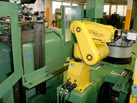 NC旋盤供給装置(ロボット仕様)